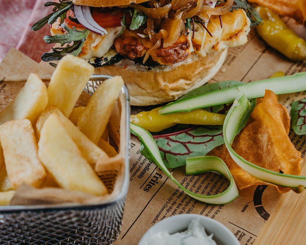 jedzenie_0026_halloumi_burger.jpg